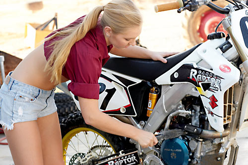 how to wash your motocross motorcycle. Black Bedroom Furniture Sets. Home Design Ideas